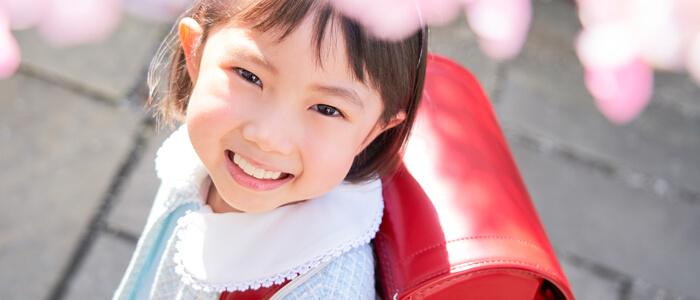 入学式女の子イメージ画像